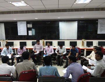 Communication Training by VMKVEC-Placement & Training Cell